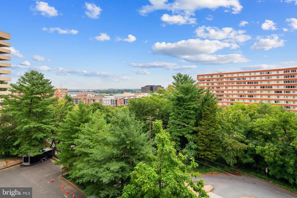 Photo of 1301 S Arlington Ridge Rd #604