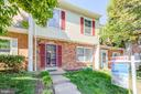 6353 Staghorn Ct