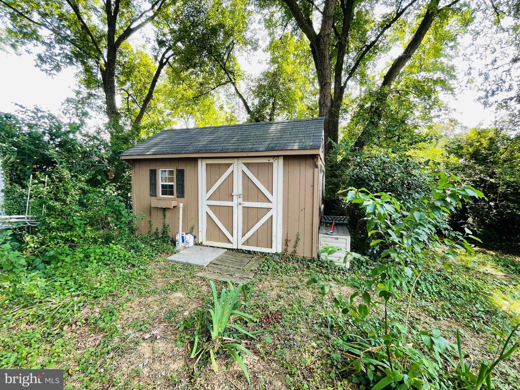 Photo of 2403 Fairview Dr