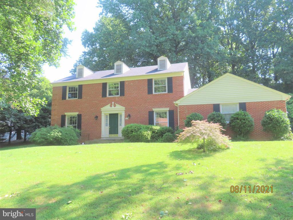 903 Ridge Dr, McLean, VA 22101