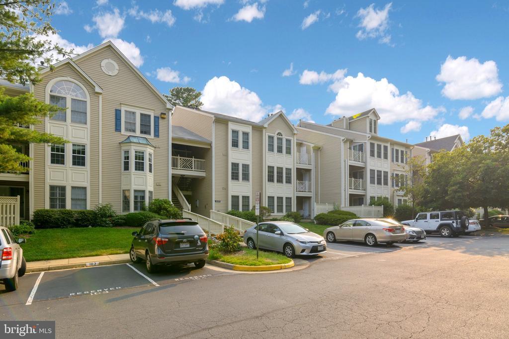 12229 Fairfield House Dr #206a