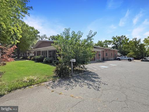 130 E Main St Purcellville VA 20132