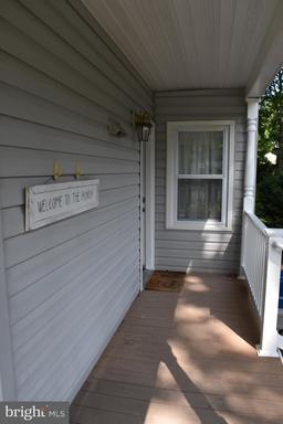 4021 Locust St, Fairfax, VA 22030