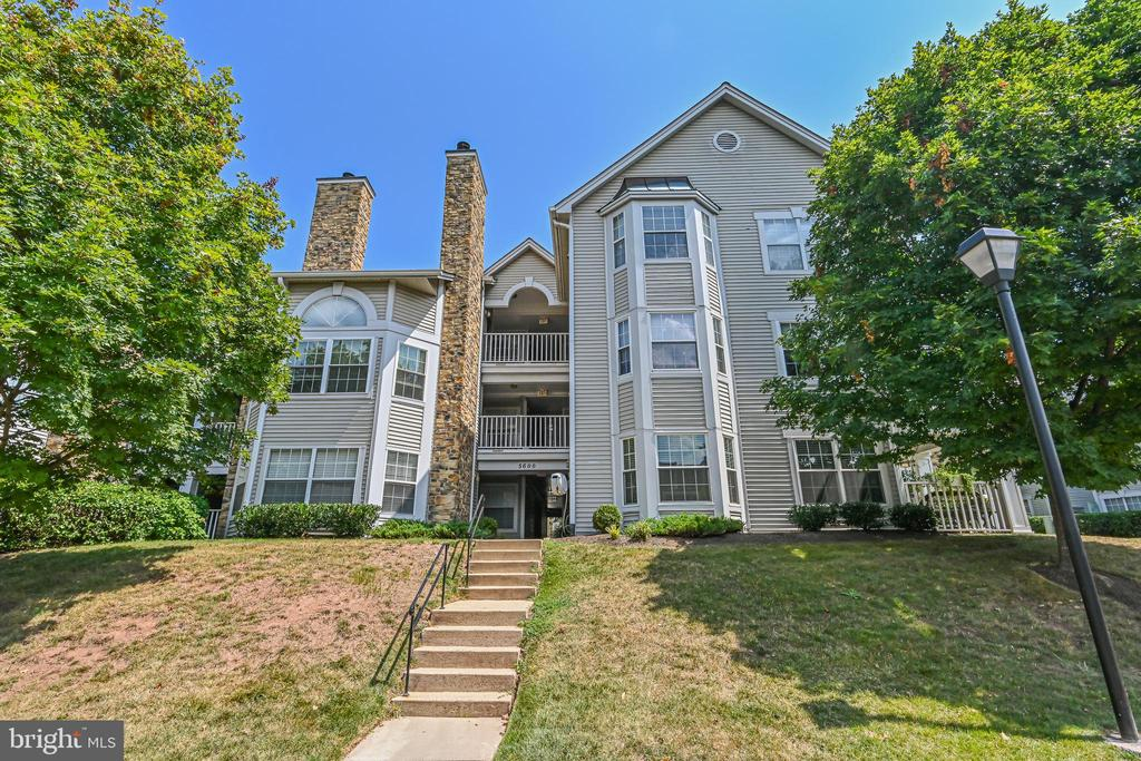 5600 Willoughby Newton Dr #33
