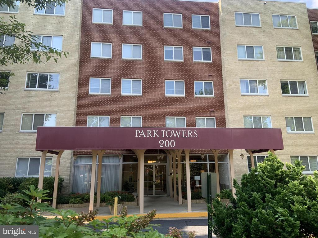 Photo of 200 N Maple Ave #105