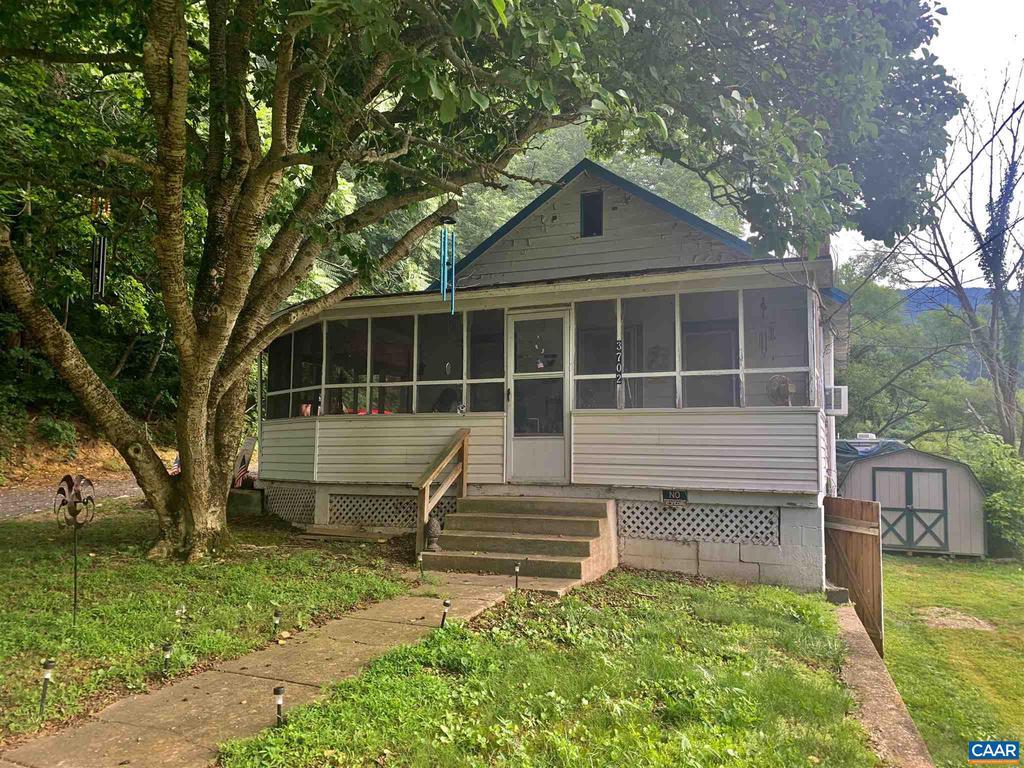 3702 Pine Grove Rd