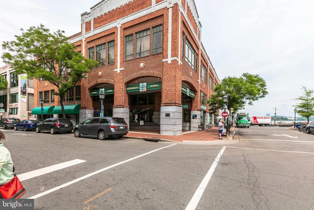 Photo of 722 S Washington St #301