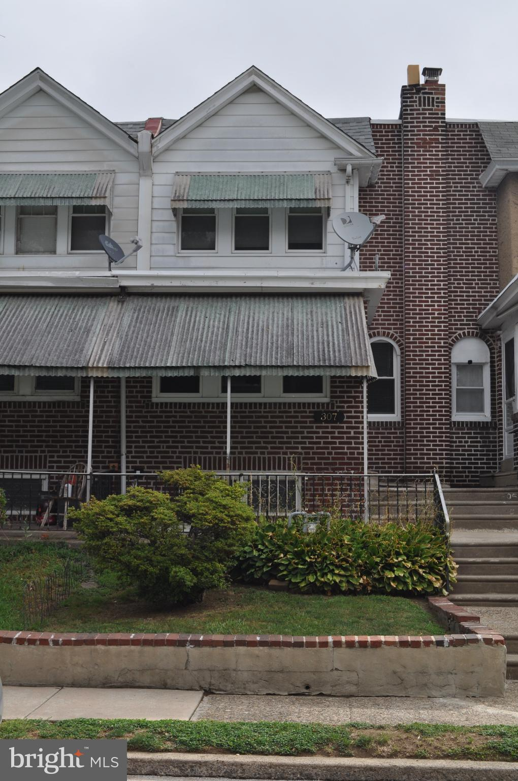 Situated near Collingdale Park, this freshly painted  three bedroom brick townhouse  features new roof (2020), replacement windows, electric fireplace, updated bathroom, and first floor bonus room. Make this house your home today!