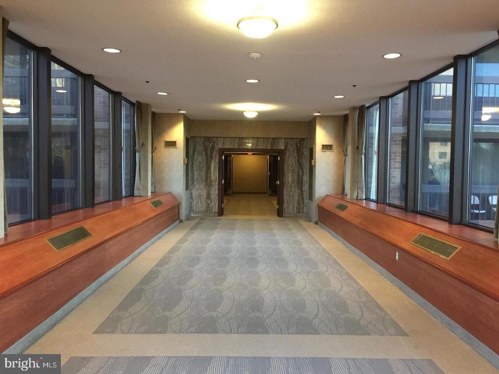 Photo of 5501 Seminary Rd #2309s