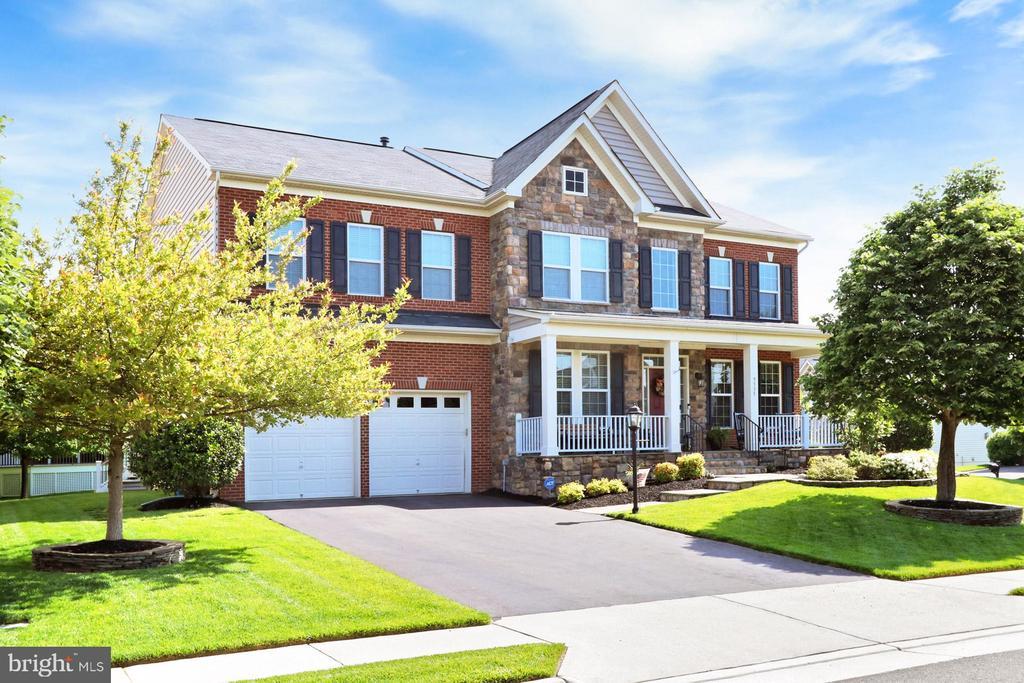 9335 Castle Hill Rd, Springfield, VA 22153