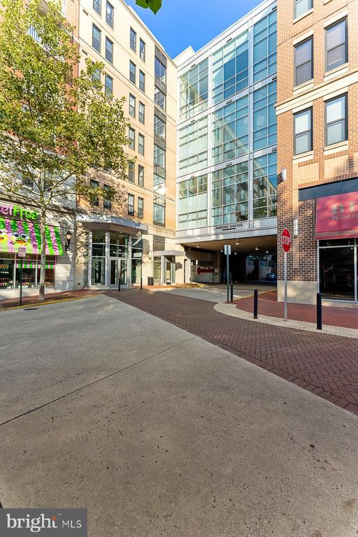 Photo of 444 W Broad St #636