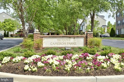 105 Cameron Parke Ct Alexandria VA 22304