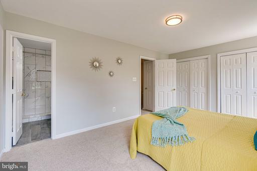 14803 Bolton Rd Centreville VA 20121