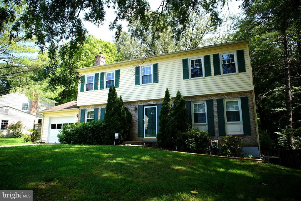 4285 Country Squire Ln