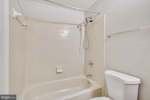 14578 Olde Kent Rd Centreville VA 20120