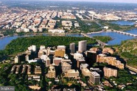 1011 Arlington Blvd #930 Arlington VA 22209