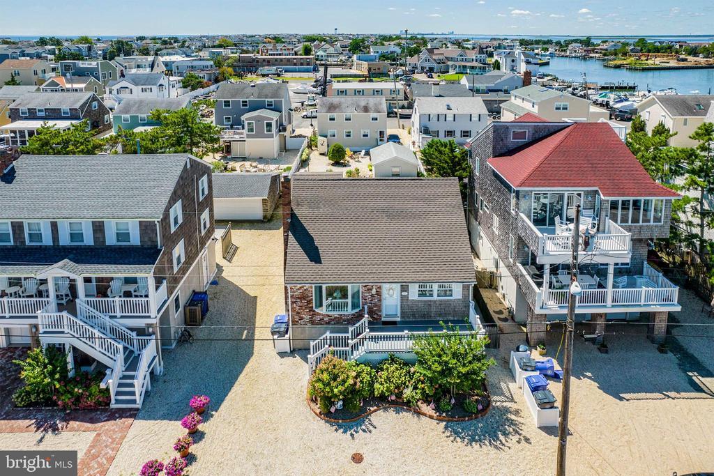 424 Iroquois Avenue, Beach Haven, NJ 08008