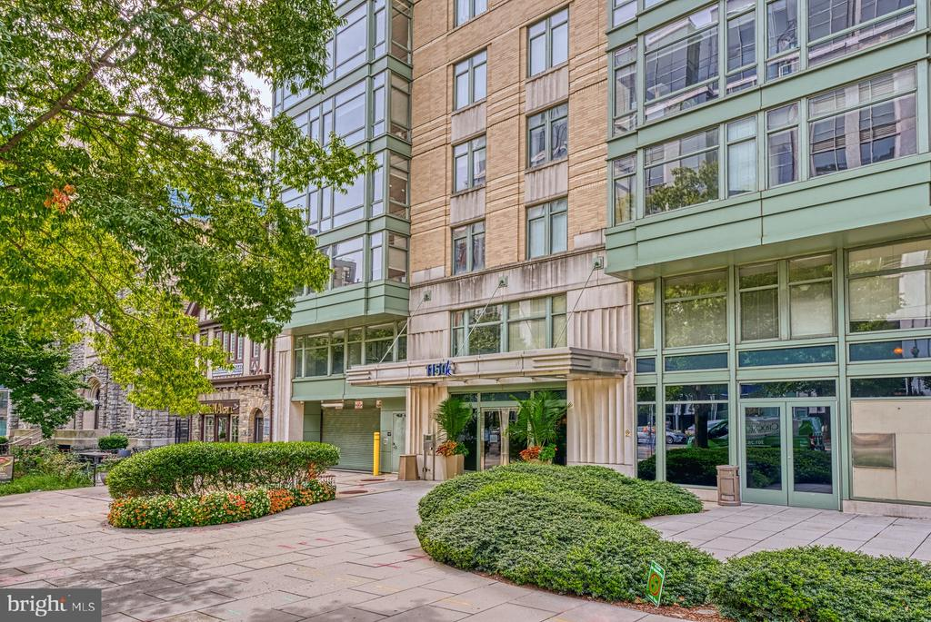 This light-filled top floor penthouse unit is centrally located in downtown Washington DC. Short walking distance to all 6 Metro line stations, Capital One Arena, City Center, and the Convention Center. A prime parking space (#2) with easy access on the first floor of the 5-story garage is included. Secured front entrance with concierge service. Large bedroom with spacious closet and terrific lighting. Fitness center, conference room with pool table. Convenient access to great roof deck with gas grills and terrific views.    Unique features for this unit:  -  Penthouse unit on the top floor  -  Prime parking space included with monthly rental income for a 1-bedroom unit  -  Newly renovated bathroom and kitchen (one of only a few renovated units in the building) with custom quartz Cambria countertops  -  New appliances including stackable washer and dryer, dishwasher, and double door refrigerator with outside ice/water dispenser  -  Clear in-unit view of the Washington Monument