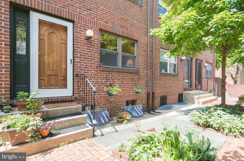 524 Lombard Street UNIT C Philadelphia, PA 19147
