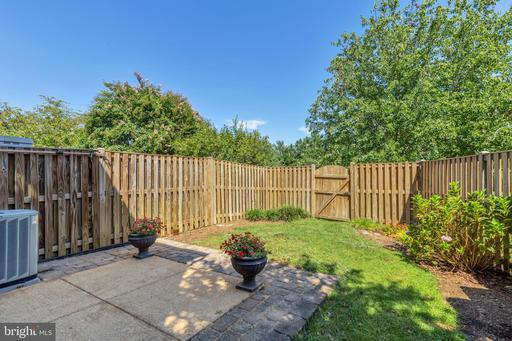 6357 Chimney Wood Ct Alexandria VA 22306