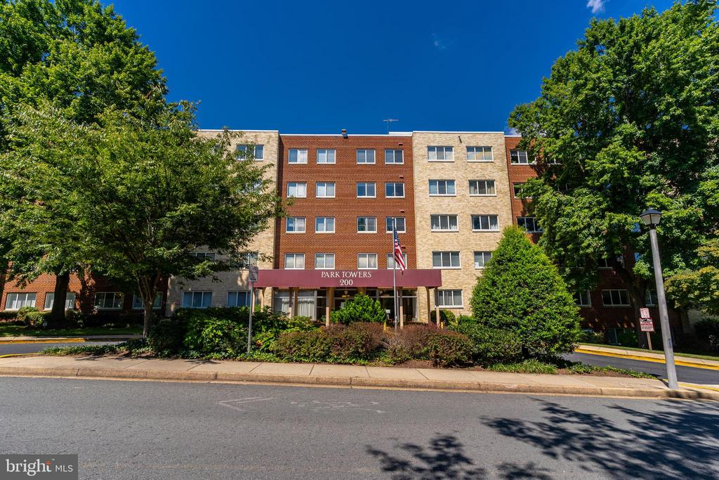 200 N Maple Ave #314