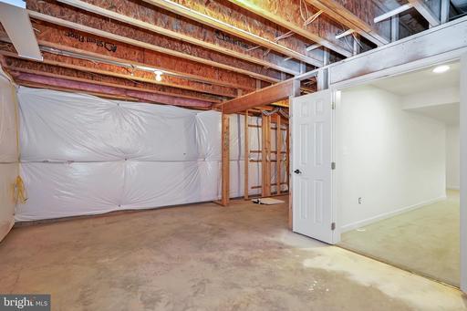 5521 Ajuga Ct Centreville VA 20120
