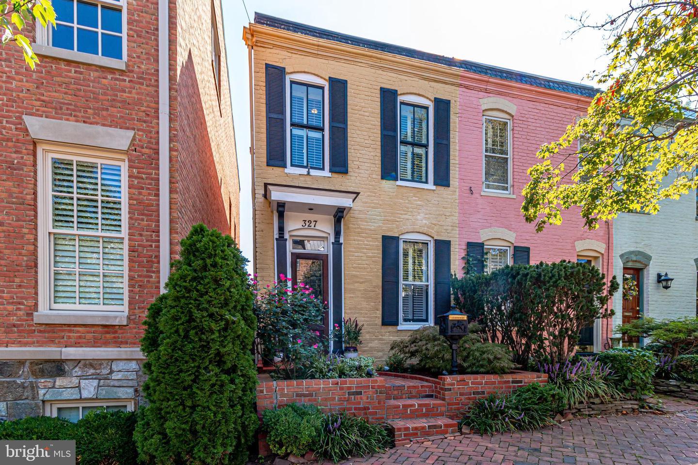 327 Royal Street   - Alexandria, Virginia 22314