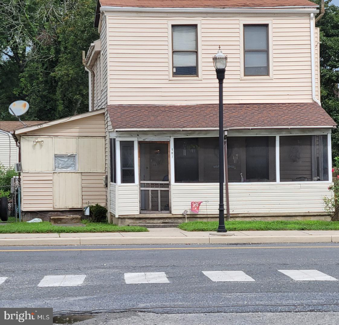 Investor Alert!!! This underpriced home is ready for some TLC and will be a great investment.  Renters currently in place and is related to seller.    Tenant interested in continuning to rent from new owner if possible.  Sale as is, no warranties, no repairs and inspections for information purposes only!   Right in the heart of historic Townsend and close proximity to  general stores, pharmacy and pizzeria and Deldot buses!