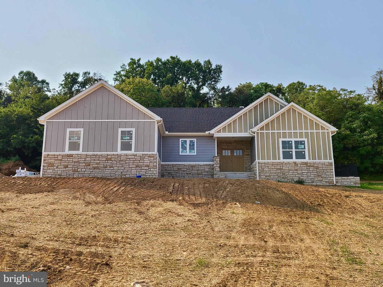 Martinsburg                                                                      , WV - $489,900