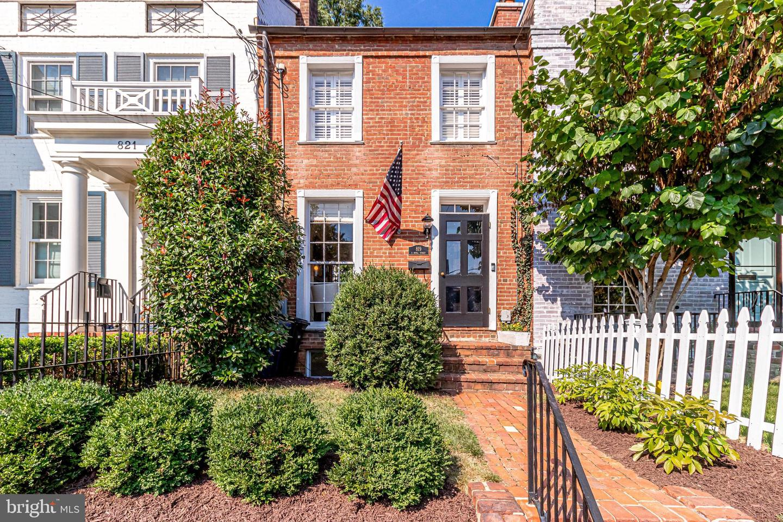 819 Royal Street   - Alexandria, Virginia 22314
