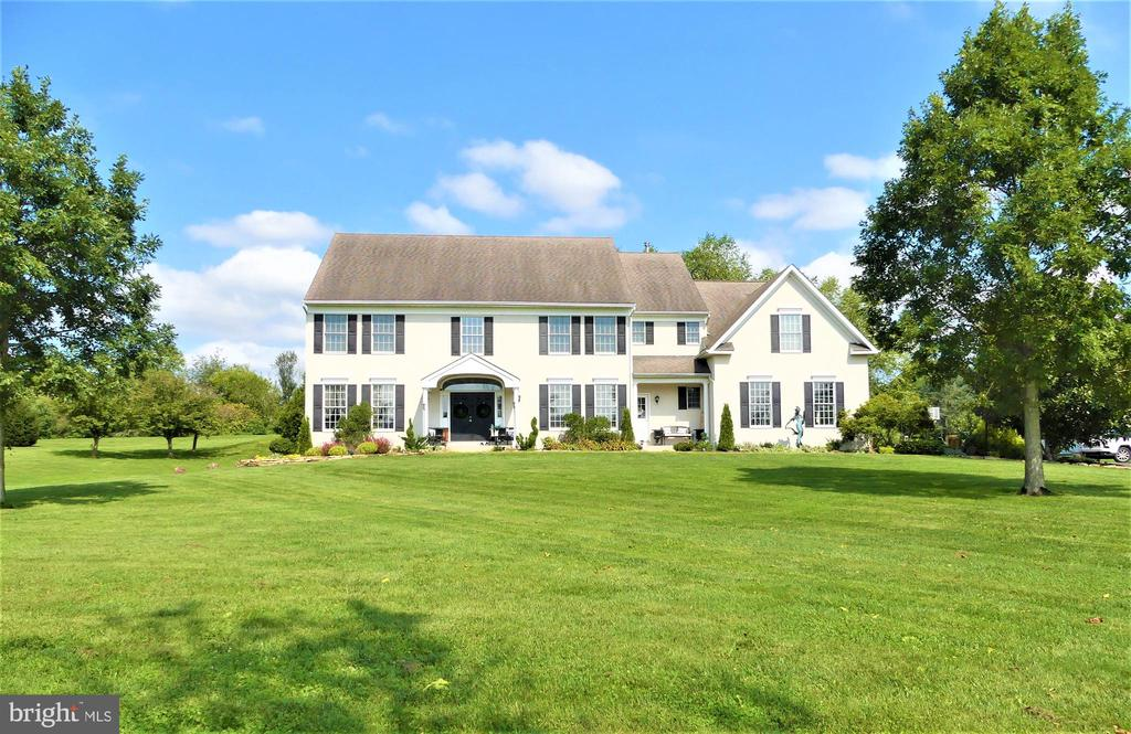 Welcome to 71 Paddock Cir,located in East Vincent Township, Owen J oberts Schools. Must see this gorgeous 4 bedroom, 3.5 baths Colonial!If you are looking for space, this home is over 5,000 square feet. Eleganceat its finest! Quiet cul de sac, sits on almost 3.5 acres. Enter into the grand foyer with a double staircase, to the left enter into the formal livingroom open to a formal dining room, to the right a nice size office. The Family Room is stunning with a stone fireplace, high ceilings,open to the gourmet kitchen with breakfast room. This home has many windows allowing all natural sunlight flowing through making this home bright and cheery! Half bath and nice size laundry room and garage access completes the first floor. There are two stairways to the second floor which has an amazing master suite with tray ceilings, large sitting room, master math has double sinks, soaking tub, stand alone shower, walk in closet. Second bedroom withprivate bath and walk in closet. Two additional bedrooms share the hall bath with double sinks. Three car garage, extra long driveway, never worry about parking! Secluded and peaceful, relax outside watching the beautiful sunset after a long hard day. Come see this spectacularhome, you wontbe disappointed!