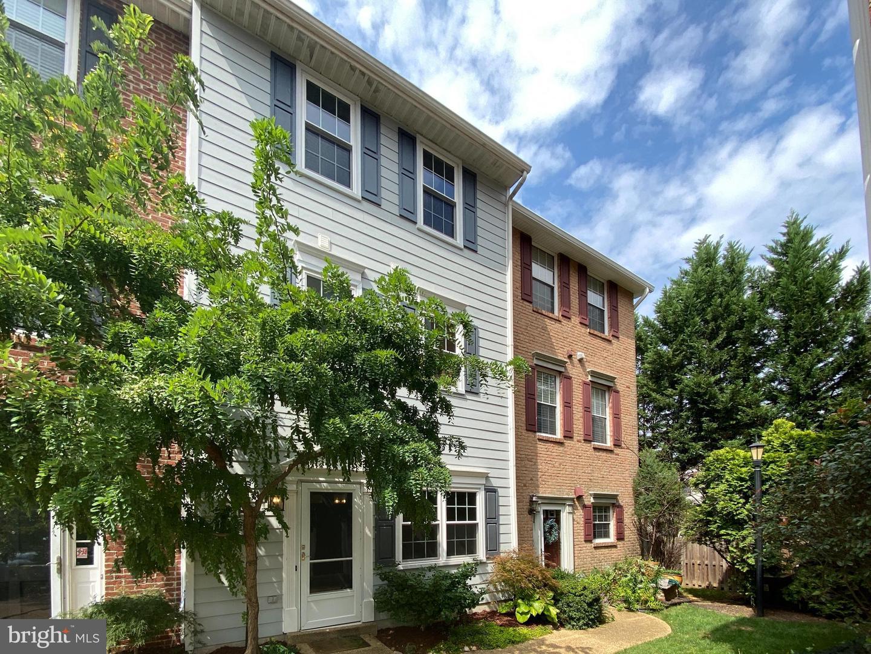 15 Herbert Street   - Alexandria, Virginia 22305