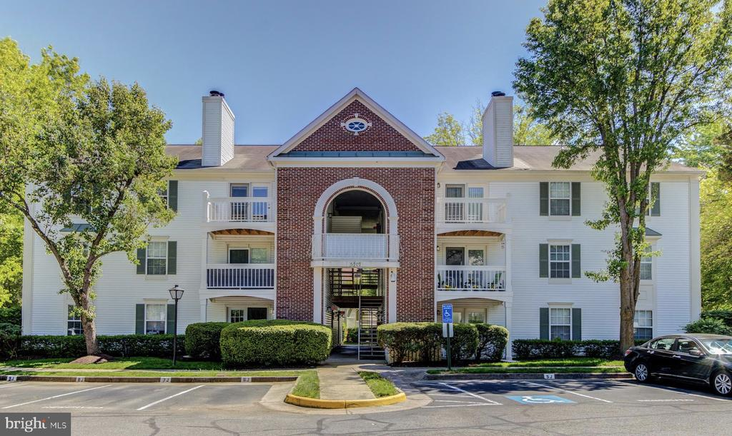 5707 Olde Mill Ct #112