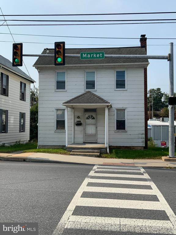 558 S Market Street, Elizabethtown, PA 17022
