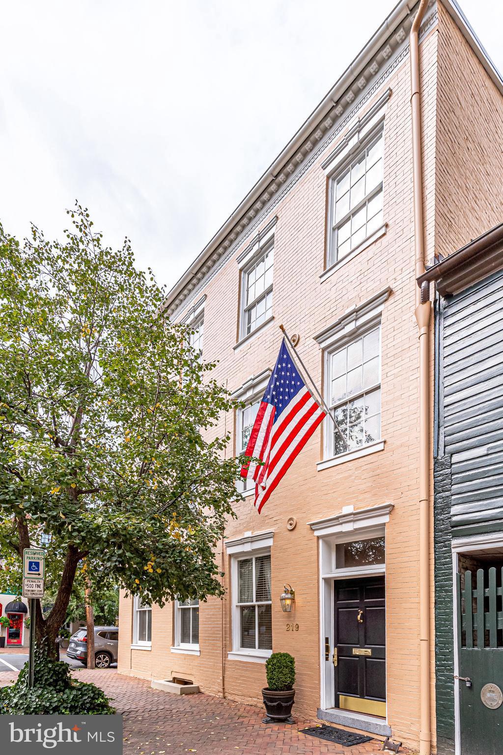 126 S Fairfax Street, Alexandria, VA 22314