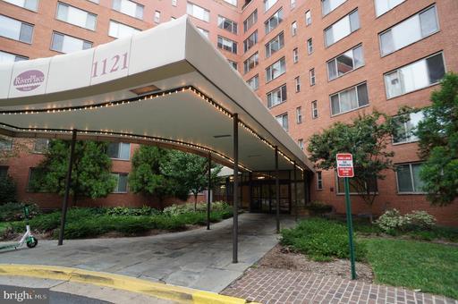 1121 Arlington Blvd #124 Arlington VA 22209