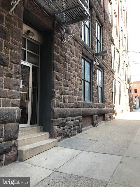 428 N 13th St #1B, Philadelphia, PA, 19123