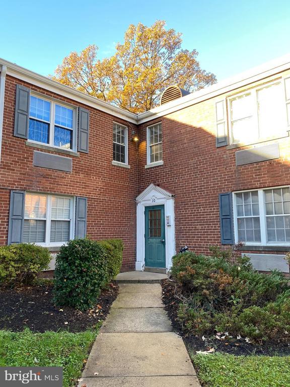 10 Auburn #B, Alexandria, VA 22304