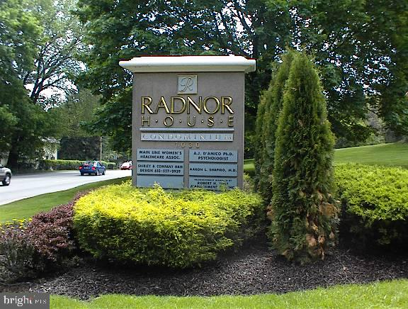 Desirable 1Bedroom/Den on high floor with gorgeous views, in popular Radnor House.  Renovated and updated in 2017 by current owner.  New kitchen, appliances, hardwood floors, a separate dining area and additional den with closet, open to living area and separate entrance to hall near bedroom and updated bathroom.   Building offers lobby reception desk, beautiful association outdoor pool, on-site modern laundry room, grand lobby, open permit parking, with additional garage available at reasonable rates, if desired, through the office.  Storage bin included.  Easy distance to train and close to major routes, stores, restaurants and all the Main Line and Town of Bryn Mawr has to offer.  Radnor House is a non-smoking environment, no smoking in unit, or on grounds as of 1/1/16.  Pets only permitted on the first three floors.  No pets above unless ESA.   Tenant occupied.