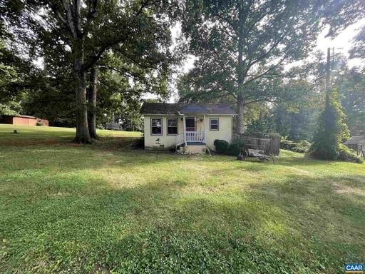 547 Stagecoach Rd Charlottesville VA 22902