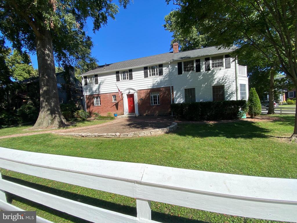 2601 Ridge Road Dr, Alexandria, VA 22302