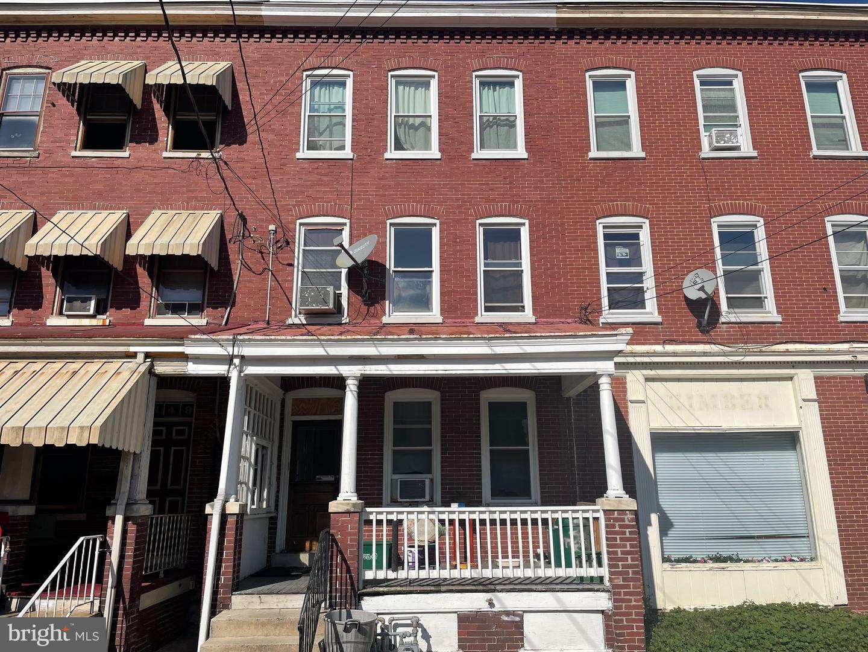 351 E New Street Lancaster, PA 17602