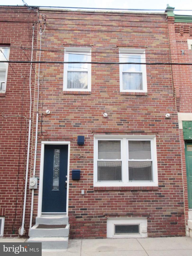 2125 Earp Street Philadelphia, PA 19146